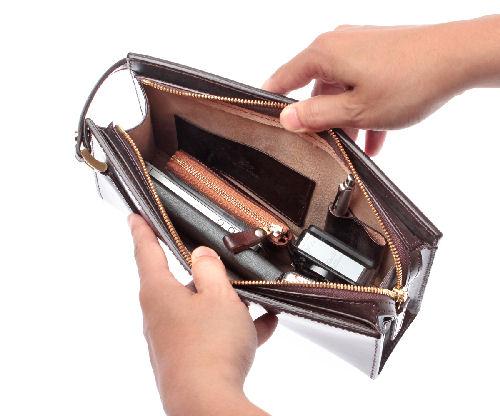 革のセカンドバッグ